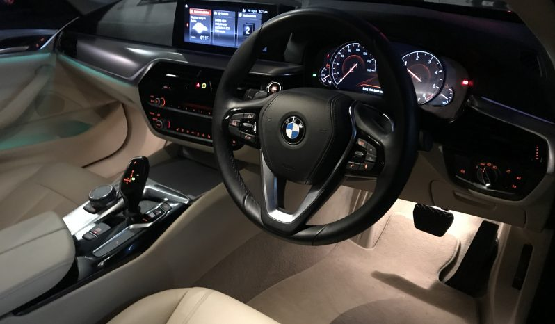 BMW 5-Series G30 520D SE full