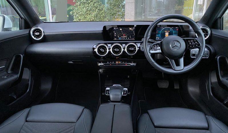 2019 MERCEDES -BENZ A-CLASS A180D SE AUTO full